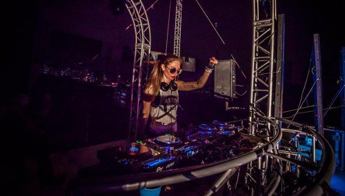 Image publishing: Fresh ENGINE MIX EP5 by DJ Angelina Lavo is already uploaded on Djane Top!