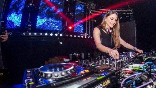 Image publishing: New fresh techno mix 'RESKU' by DJ Isabela Clerc is already uploaded on Djane Top!
