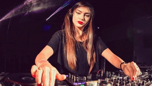 Image publishing: Check out fresh Special Mix byDJ Fernanda Pistelli  on DjaneTop!