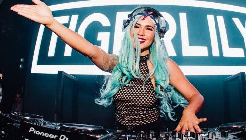 Image publishing: Fresh Team Tiger Radio #038 from two Australian Djanes -DJ Tigerlily and DJ Brooklyn!