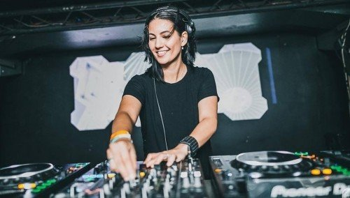 Image publishing: CHECK OUT TECHNO SET BY DJ FERNANDA MARTINS FOR MOVINGD-EDGE